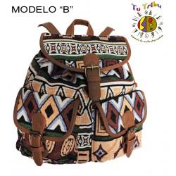 mochila loneta tribal y polipiel.