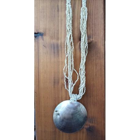 collar concha y mostacillas nº 1